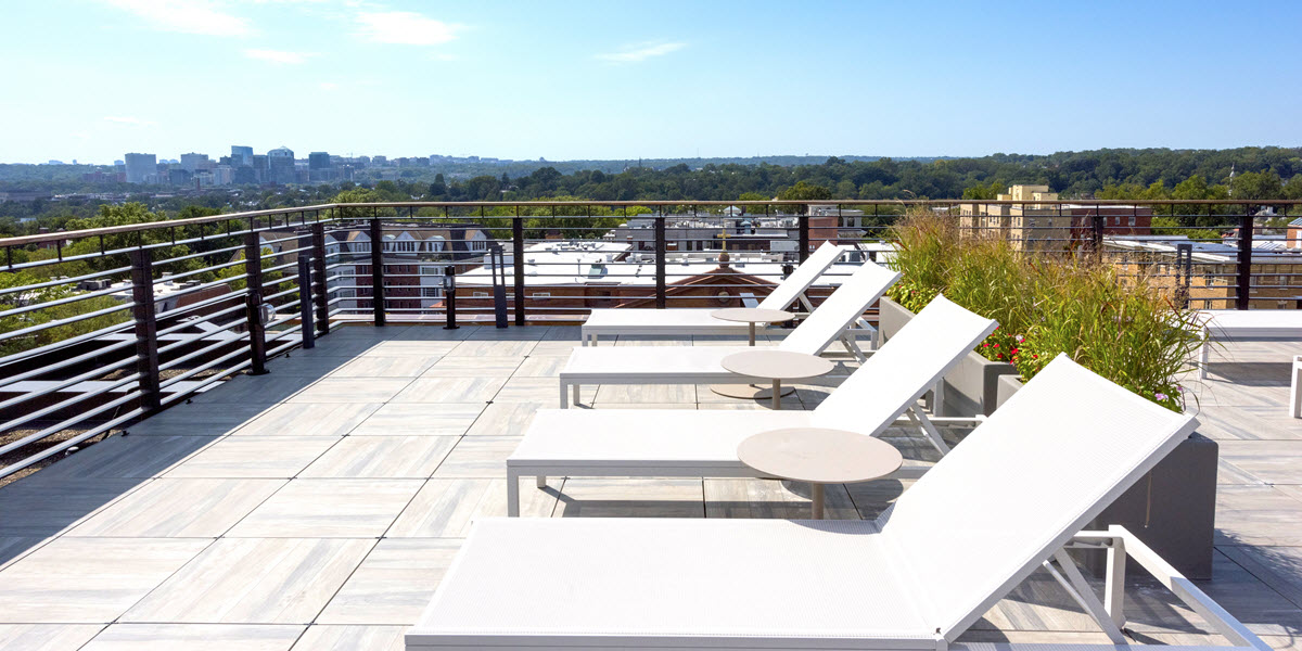Rooftop sky lounge & terrace
